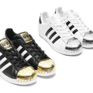 Adidas Gold/black Metal toe Woman 9. Feel like 9.5